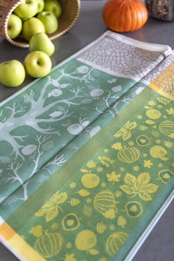 Autumn Harvest Jacquard Tea Towel with apples and pumpkins reverse side